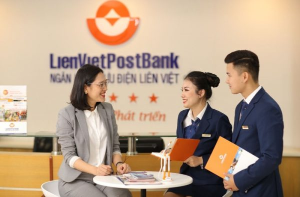 Liên Việt Post Bank là một trong những đối tác với bưu điện