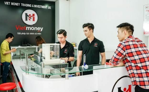 Vay cầm đồ tại cửa hàng tài chính Vietmoney