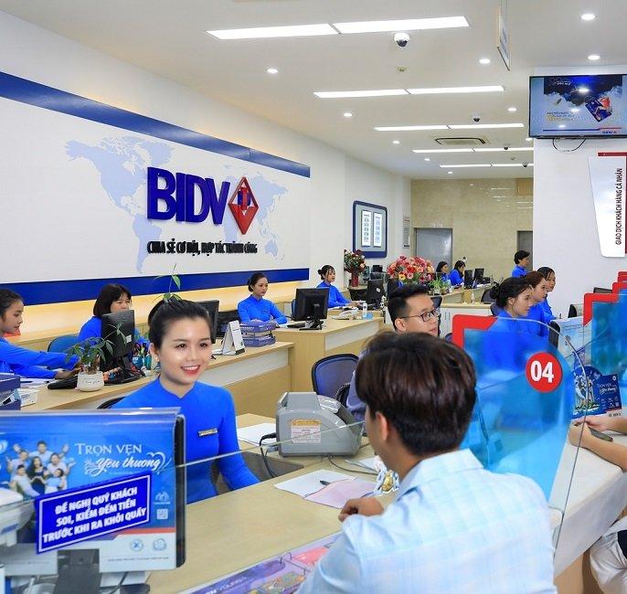Chuyển tiền từ BIDV sang Vietinbank tại quầy giao dịch
