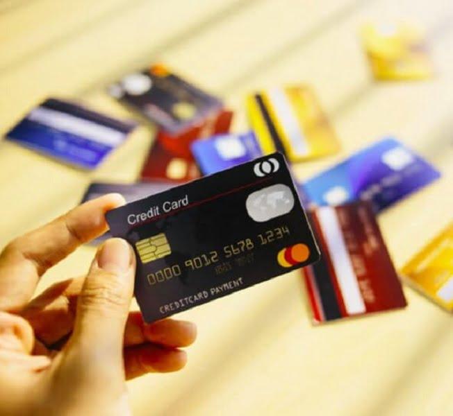 Thẻ tín dụng ví dụ